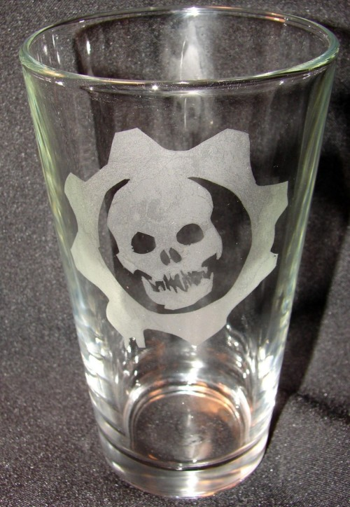 Gears of War Etched Pint GlassCreated by Etsy user NanjaofNineFor sale on Etsy - $10.00