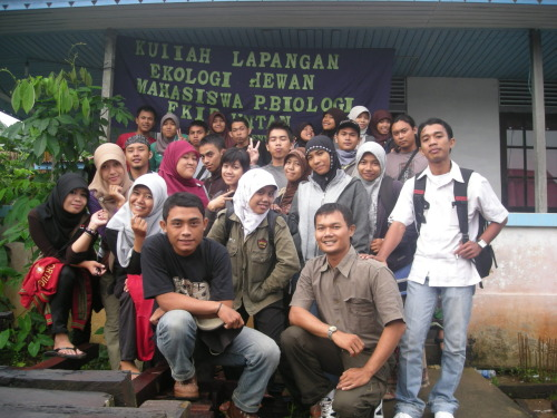 "i miss ""kuliah lapangan"" wish i go to there sometimes i will forgot that"