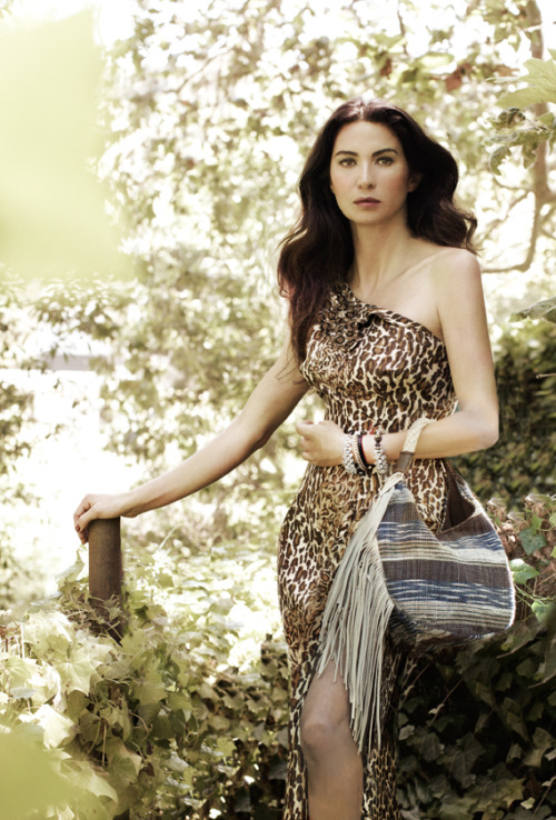 The gorgeous and lovely Shiva Rose with the JADEtribe Lanna side fringe hobo in her bohemian garden for Fall 2011.