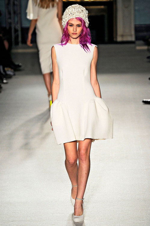 vogue:  Roksanda Ilincic Spring 2012 Photo: Marcio Madeira/firstVIEWVisit Vogue.com for the full collection and review.