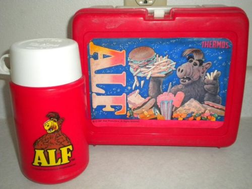 imremembering:  ALF Lunchbox Source: Ebay   Does it come with cats?