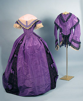 Ballgown with reception (?) bodice, 1860's I've seen this somewhere else but I can't remember where.