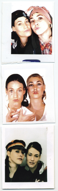 two of my favourite things together: cocorosie AND photobooths <3 <3 <3