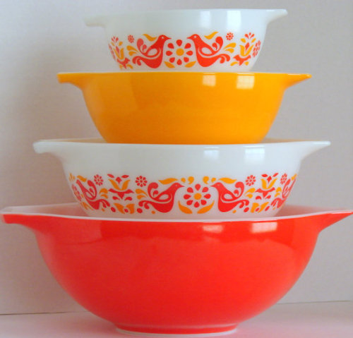 Vintage Pyrex Friendship Cinderella Bowl Set by sassboxclassics on Etsy