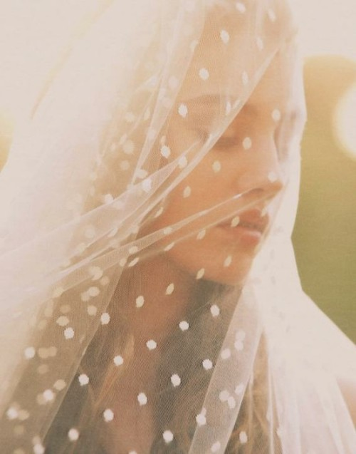 bride2be:  polka dot wedding veil.  yes please!  i'm mad about this look!