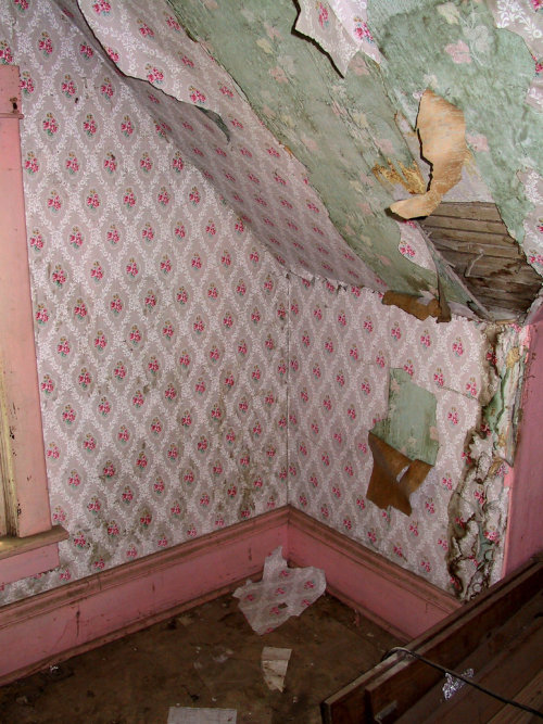 oldabandonedchurch:  (via Tescott Abandoned House 18 by =Falln-Stock on deviantART)