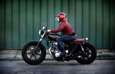 Real motolady Cindy Hicks of RYA on her Yamaha XS650 custom.  (Submission from John Ryland)