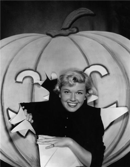 ladylikelady:  Doris Day
