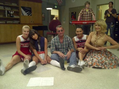 fyeahgleecast:  msleamichele On set with @Adamshankman @DiannaAgron @NayaRivera and Hemo:)