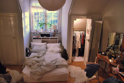 i want a closet for my clothes..