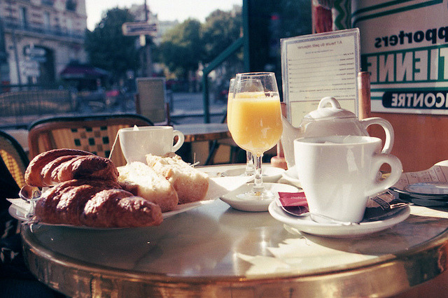 Parisian breakfast shot with Pentax MX | Fuji Superia 200