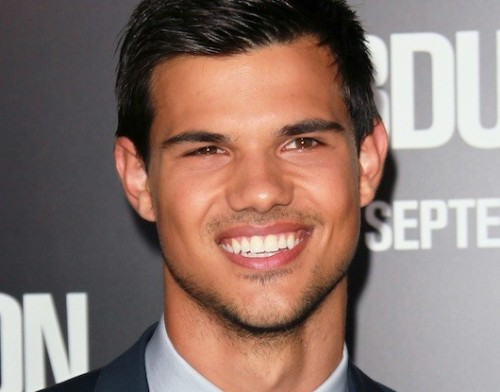 Taylor Lautner on 'Abduction,' Possible Sequels, and Why 'Breaking Dawn' is His Favorite 'Twilight' Yet Snark all you want about 'Twilight,' its fan base and its young stars, but the film series has become a cultural phenomenon over the last five years. Thank goodness then — by all accounts — Kristen Stewart, Robert Pattinson and Taylor Lautner are able to handle the immense fame that comes with the 'Twilight' territory. Lautner is the last of the trio to branch out on his own — and he does so with gusto in the new action thriller 'Abduction.'