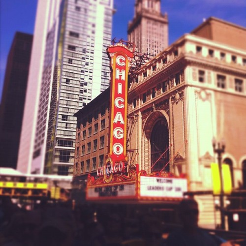 Chicago Theater from a double decker bus. #chicago, #theater (Taken with instagram)