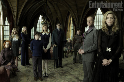 First official cast photo from Tim Burton's DARK SHADOWS (2012)