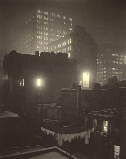 Alfred Stieglitz, From the Back Window, 1915
