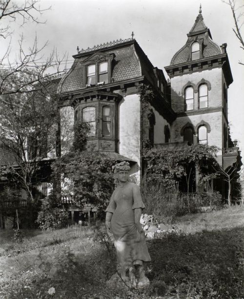 lostsplendor:  Wheelock Mansion, Manhattan c. 1937 (via NYPL Digital Gallery)