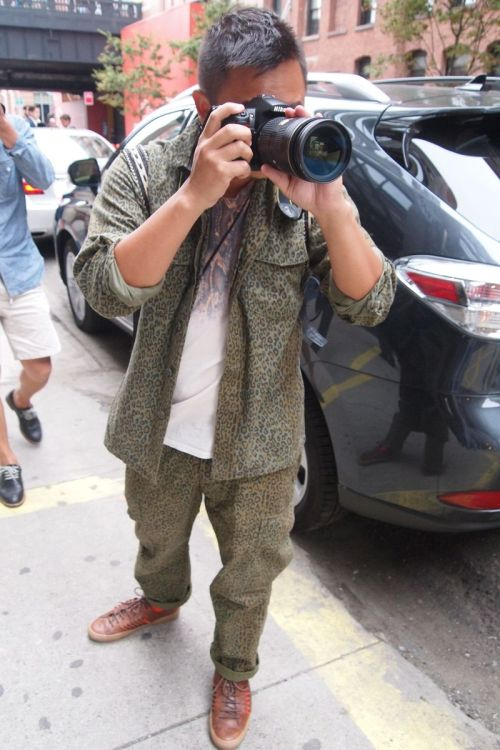 parkandbond:  howtotalktogirlsatparties:  TT.  The one and only Tommy Ton.