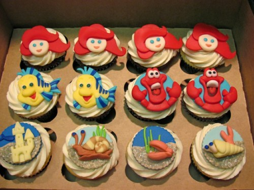 fancysomedisneymagic:  The Little Mermaid Cupcakes