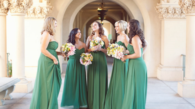 YESSSSSSSSSSSSSSSSSSS to chiffon bridesmaid dresses….I LOVE this picture ;-)