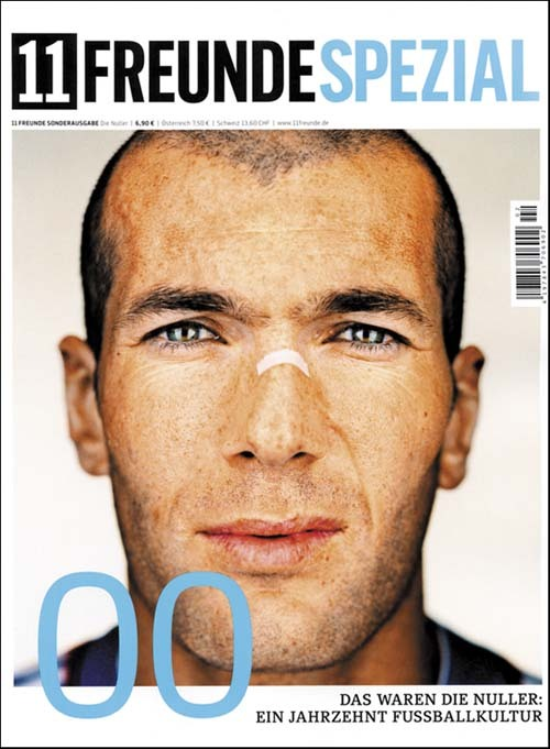zizoufan:Zizou on the cover of 11 Freunde Spezial: Sometimes you walk down the stairs in a bookstore and discover this. Oh, the lovely feelings you only get as a fangirl.