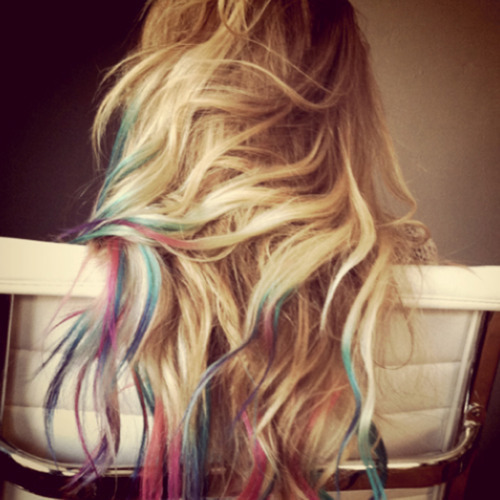 I've seen a girl with hair like this…. I WANT IT