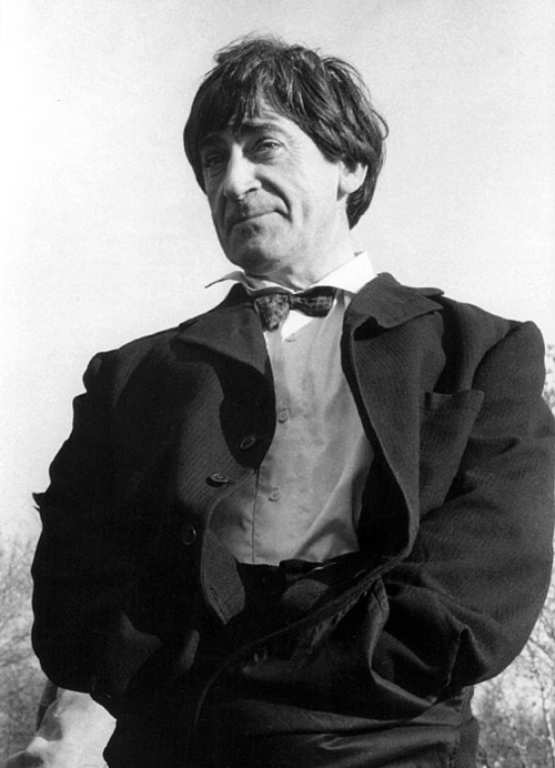 A picture of Patrick Troughton as the Second Doctor and he's got his hands stuffed into his pockets and is looking rather noble and stuff and he's rather fantastic. Dayum Patrick Troughton. So fabulous.