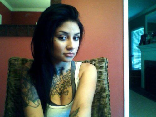 fuckyeahgirlswithtattoos:  luuucymarie.tumblr.com  god damn, she is fine