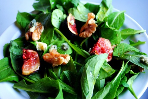 Fresh Fig & Arugula Salad with Lemon Vinaigrette
