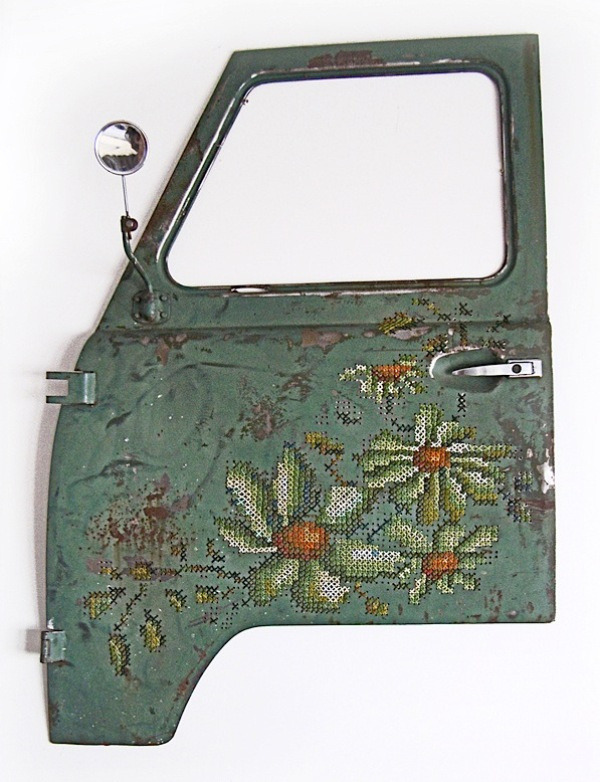 craftdiscoveries:  (via Embroidered Car Doors | Colossal)