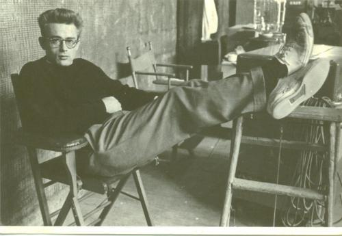 frank-sinatra-and-co:  James Dean wearing his Converse Jack Purcell.