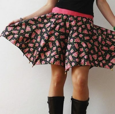 Rainy day wear:   Broken umbrellas upcycled into skirts. (Skirt by Cecilia Felli. Spotted by Marilyn Maciel, @MarilynM, on Crooked Brains. Thanks, Marilyn!)