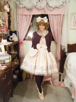 yourpervert:  shelbyscircus:  Dear Liz Lisa, I love your boots with lolita.  Wow! What a lovely way to wear Fancy Melody <3