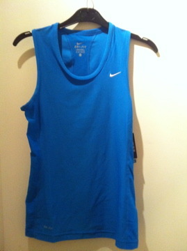 Bought some new running gear! Nike Dri-Fit running Top in XS. It was on sale for only 15,99 Euro! Yay!