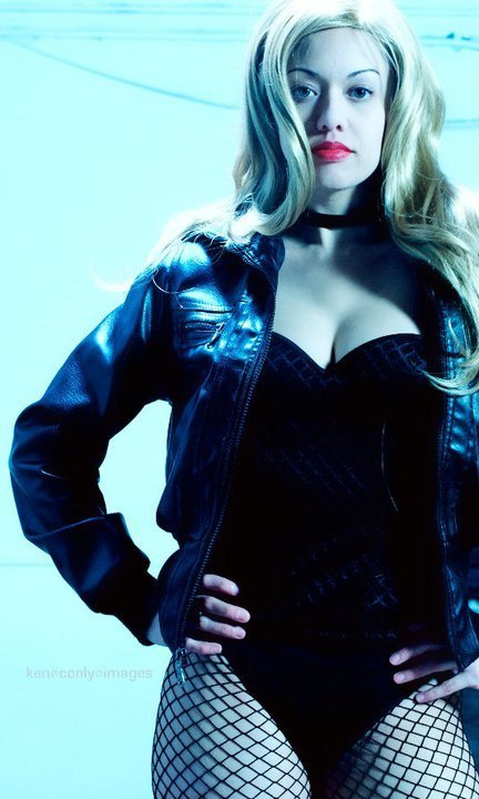 #BlackCanary #Cosplay #Sexy - Click on this ladies Facebook link for more great cosplay pics. comicbookcosplay:  Check out Cosplay Girl: Victoria on Facebook