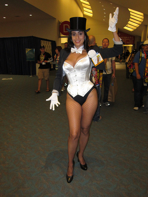 Valerie Perez as Zatanna For more comic book cosplay goodness, follow Geeks in Tights!