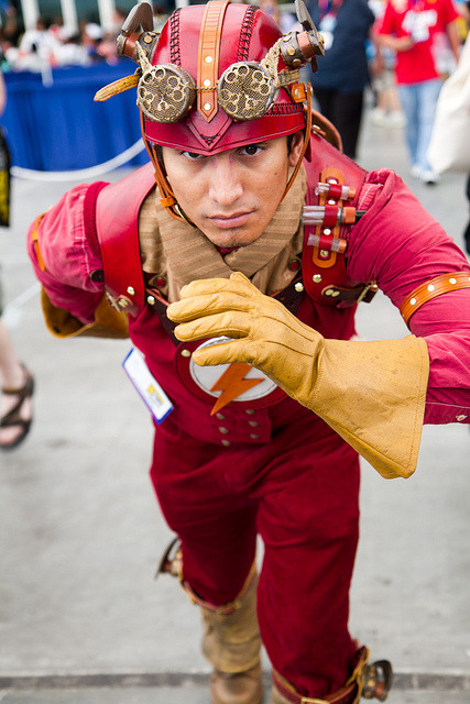 fumettidccomics:  Flash cosplay (steampunk version)