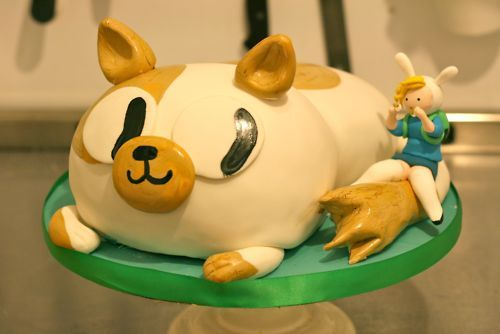 Adventure Time with Fiona and Cake… In Cake Form! One of the greatest Adventure Time episodes of all time gets a tasty edible tribute from Two for Two Cakes. (via Super Punch)