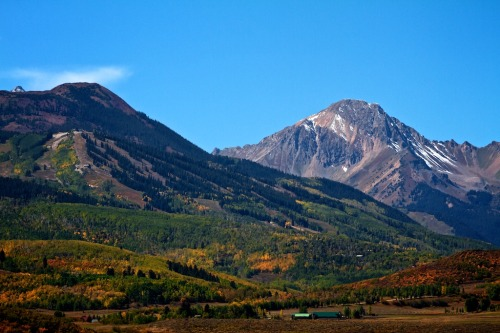 aspensnowmass:  We're just starting to see some color up on the mountains. The trees should be VERY colorful by the middle of next week. Here's Mt. Daly and Snowmass on the first official day of fall.  -Dave