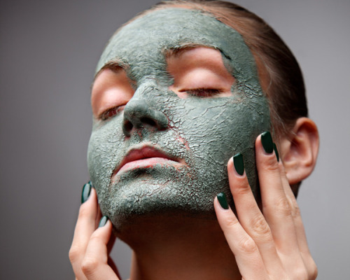Beauties! Check out our Top 3 face masks - great for exfoliating, hydrating, and leaving your skin fresh and dewy!