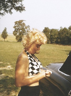 theniftyfifties:  Marilyn Monroe by Eve Arnold.