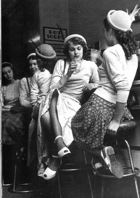 1954 Girls in a milk bar, England.