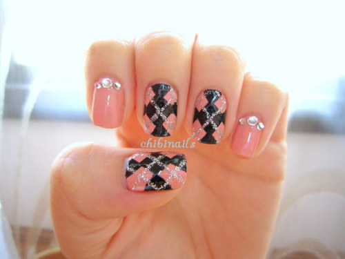 Argyle nail design. Pardon the messiness *cough*