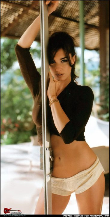 Paz Vega… Hot in shorts