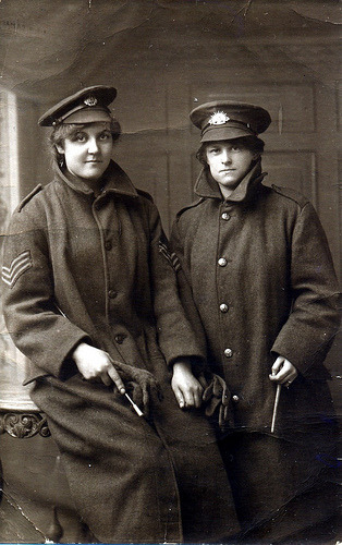 lostsplendor:  Two Wartime Women (by drakegoodman)