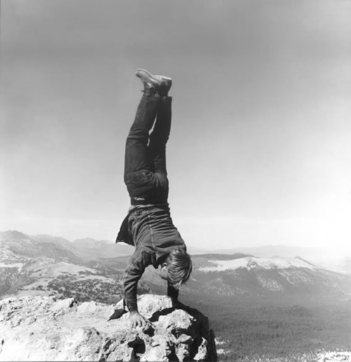 lionskeleton:  Natural Handstand by Robert Kinmont
