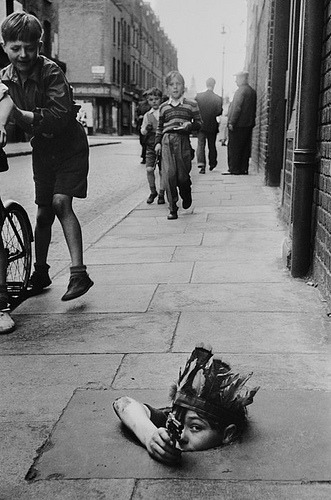 thelastenglishrose:  Lesson One: Know Your City   Thurston Hopkins, London, 1954.
