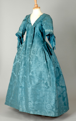 Robe volante ca. 1730's From the Leeds Museums and Galleries