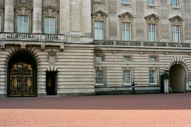 | ♕ |  Buckingham Palace  |  by Susan Zhang