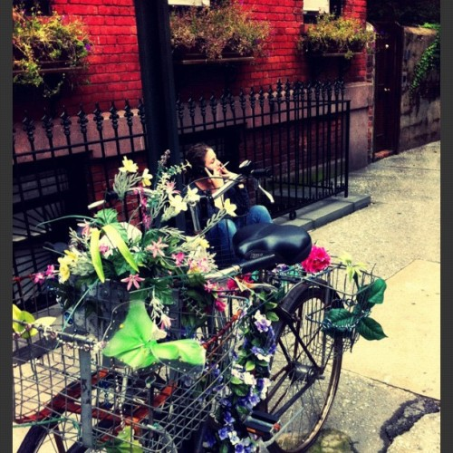 #EmbellishedBike sighting in the Lovely #westvillage #newyorkcity #bikesaroundtheworld #bikeporn  (Taken with Instagram at Barrow Street)