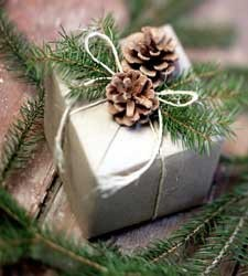 (via Christmas and Winter / gift wrapping christmas)